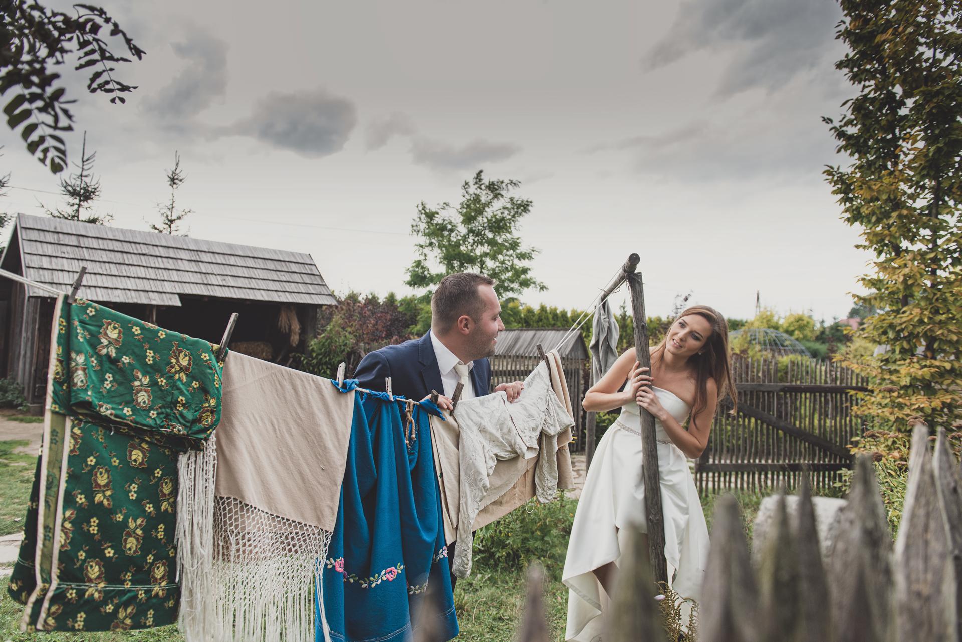 Fotografia Ślubna Kęty Małopolska Bielsko-Biała Zdjęcia Ślubne Plener Ślubny Kreatywny Kadr Ślub Ogrody Kapiasa Para Młoda